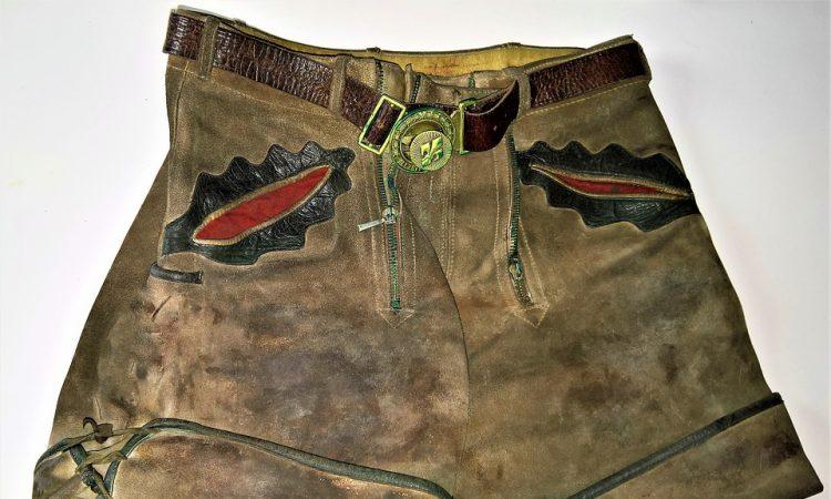 Vijf milieuvriendelijke manieren om oude kleding weg te doen