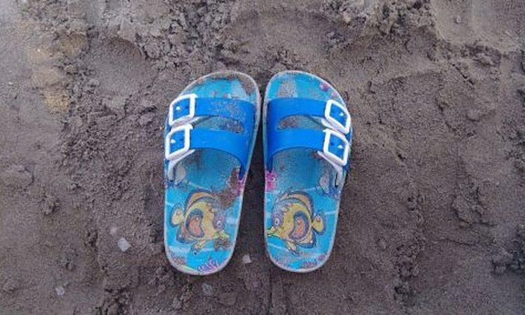 Hoe koop je de perfecte slippers en sandalen voor kinderen.v1